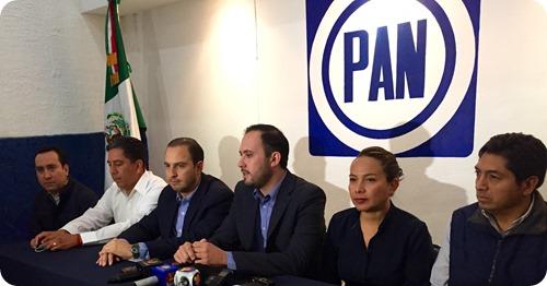 Marko Cortés en rueda de prensa con diputados federales del PAN, Ángeles Rodríguez y Marco Gama
